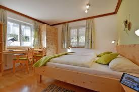 Schlafzimmer Zirbe Massiv Schlafzimmer Zirbenholz Preis Bett Zirbenholz Preis Massive