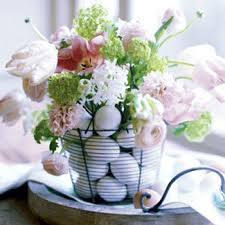 Easter Floral Table Decorations by 35 Easy And Simple Easter And Spring Centerpiece Ideas Saturday