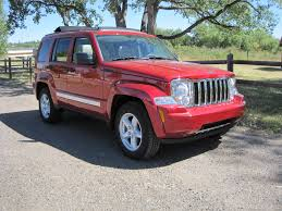 red jeep liberty 2010 first look omg the 2010 jeep liberty limited 4x4 is so cute the