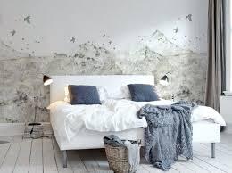 tapisser une chambre comment tapisser une chambre papier peint paysage de montagne