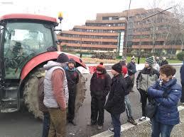 chambre d agriculture pau vidéo agriculteurs en colère à pau opération escargot et blocage