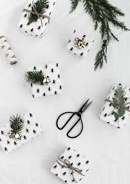 black and white christmas wrapping paper 23 easy diy gift wrapping ideas