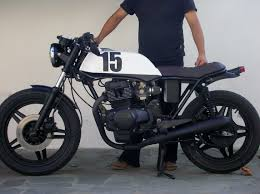 honda cb 250 modificada por mad crow garage con sede en barcelona