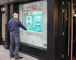digital window tommy hilfiger denim interactive window advertising showcase