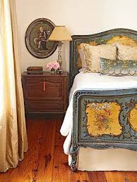 French Antique Bedroom Furniture by Best 25 Antique Bedrooms Ideas On Pinterest Dark Wood Bedroom