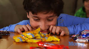i ate your halloween candy what u0027s the best halloween candy to buy ask a kid money