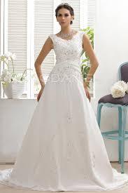tissus robe de mariã e robe de mariée vintage en tissu chiffon en perle et ruche avec