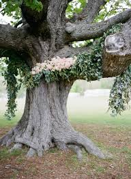 wedding wednesday flower garlands on trees flirty fleurs the