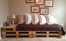 canapé lit palette brico canape lit bois planches palettes en bois idées de