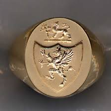 family ring engraved family crest coat of arms rings by heraldica imports