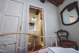 la lisa four rooms tuscany apartment with panoramic terrace camera matrimoniale double bedroom