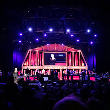 a nashville experience the grand ole opry a few weeks ago jeff and i made our way to the east side of town so that he could experience the greatness of the opry i couldn t believe he had never