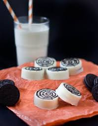 chocolate dipped oreo spiderweb cookies oreo desserts for