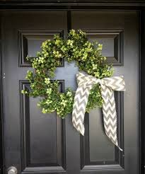 wedding wreaths 15 sweetest diy wedding wreaths happywedd