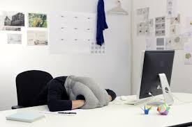 cuscini per dormire bene ecco il cuscino per dormire in ufficio e migliorare la creativit罌