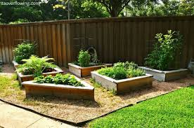 Small Garden Bed Design Ideas by Picture Of Brick Raised Flower Bed Ideas