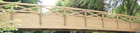 terrasse en bois suspendue aménagement extérieur bois entreprise spécialisée sle