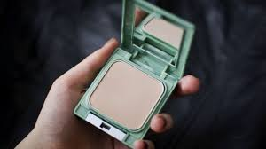 clinique almost powder best compact powder for dry skin review