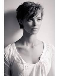 coupes cheveux courts femme les 25 meilleures idées de la catégorie cheveux courts sur