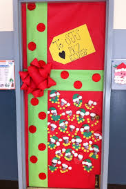 winter present door decoration idea myclassroomideas com