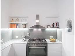 oggetti cucina vasetti moderna cappa industriale mensole luce led full size of kitchen oggetti cucina vasetti moderna cappa industriale mensole luce led pavimento grigio
