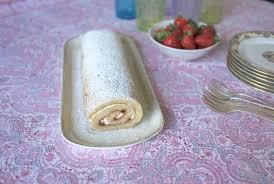comment cuisiner sans gluten comment cuisiner un tendre roulé à la fraise sans gluten