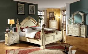 Traditional Style Bedroom Furniture - meridian sienna 4 piece panel bedroom set in white