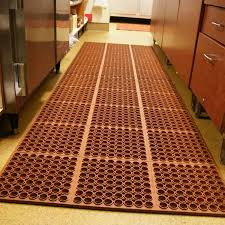 Rubber Kitchen Flooring by A Rubber Kitchen Floor Mat Prevents Slips On Wayward Water And Grease