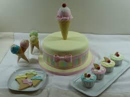bolo cupcakes cakepops e bolachas para festa de aniversário com