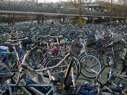 bicycle parking in tokyo interestingasfuck