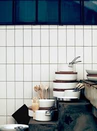 Subway Tile Layouts For Kitchen Backsplashes - Vertical subway tile backsplash