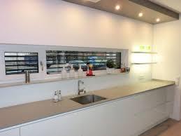 küche putzen hochglanz küche putzen mit microfaser recybuche