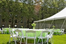 Tent Backyard Top 10 Backyard Wedding And Reception Tips U2022 Bg Events And Catering