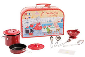 moulin cuisine amazon com moulin roty je cuisine i am cooking child sized