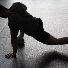 Bedroom With Knee Wall 7 Exercises To Help Combat Runner U0027s Knee Runnerclick