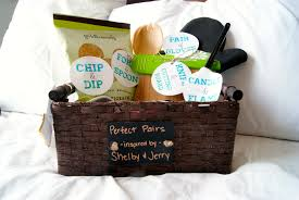 bridal shower gift baskets pairs bridal shower gift diaries