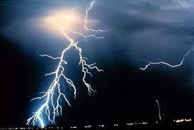 Striking lightning facts seaworthy magazine boatus