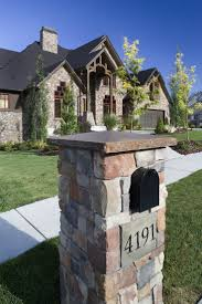 Faux Stone Post Sleeves by Best 25 Stone Mailbox Ideas On Pinterest Mailbox Installation