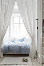 Bedroom Ideas For White Furniture 25 Best Small White Bedrooms Ideas On Pinterest Small Bedroom