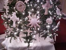 symbols of chrismon tree decorations hold true spirit of