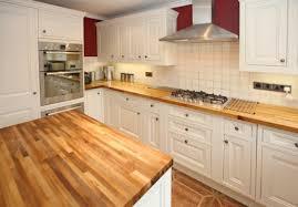 kche wei mit holzarbeitsplatte stunning küche weiß arbeitsplatte holz gallery home design ideas