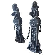 80cm tall halloween stake with chain decoration escape house props