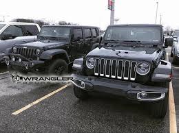 jeep jku side jl vs jk wrangler comparison parked side by side 2018 jeep