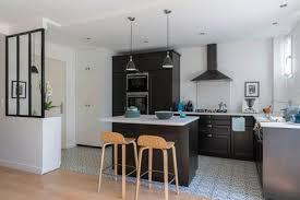 bar ilot cuisine cuisine en l avec bar un ilot central fait office de dans la 5957958