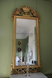 Remove Mirror Glued To Wall How To Remove Mirror Adhesive Hunker