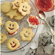 lakeland kitchen knives lakeland 15580 smiley faces cookie cutters at the good guys