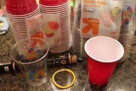 frugal sleepover fun glow in the dark cups mommysavers glow cups using glow bracelets sticks