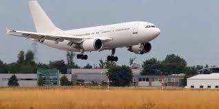 chambre commerce bordeaux l aéroport de bordeaux mérignac reste mais veut séduire