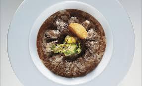 cuisiner les morilles brunes et en délicate royale par alain ducasse