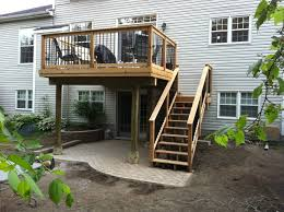 Backyard Deck Plans Pictures by Best 25 Second Story Deck Ideas On Pinterest Walkout Basement